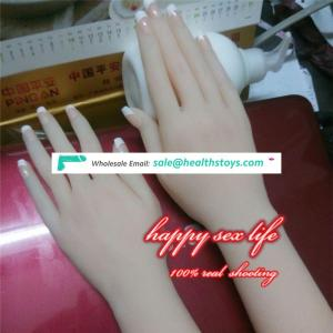 china suppliers Very Lifelike Silicone Hand Mannequin Displaying Ring